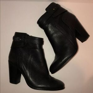 Vince Camuto Size 8.5 Boots Ankle Faythe Leather